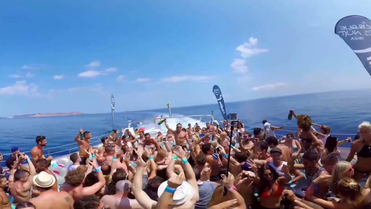 360 Virtual Reality Ibiza Boat Party hosted by CDLN Ibiza